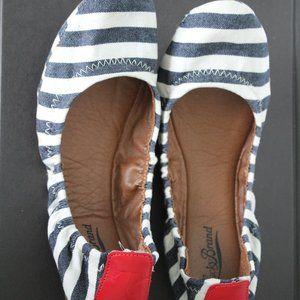 Lucky Brand flat ballet shoes nautical design 9B